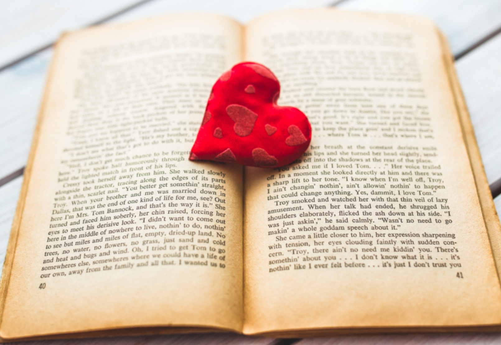 love books small.png